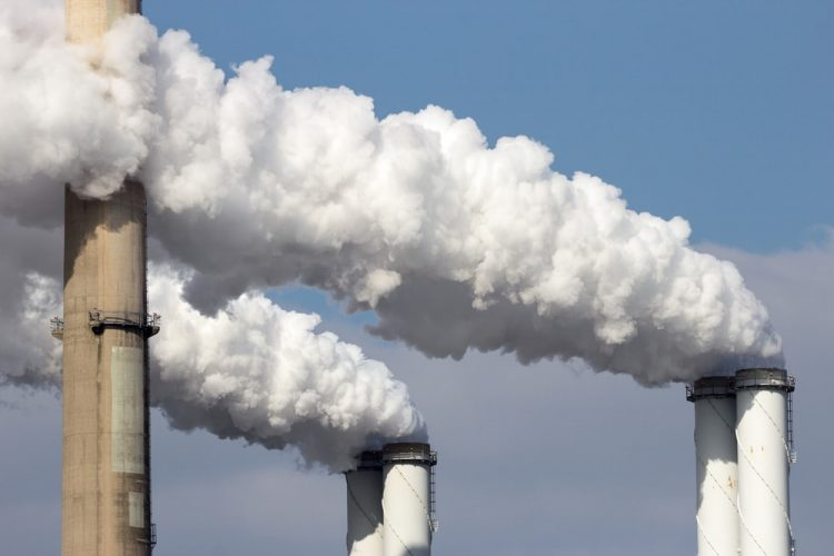 fabrica - contaminacion atmosferica