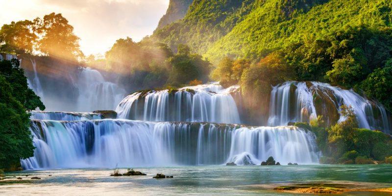 Agua - cascada - beneficios del agua