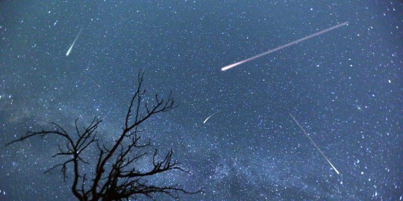 cometa lluvia de meteoritos