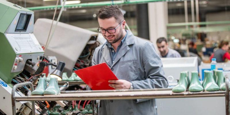 eficacia eficiencia productividad ejemplo