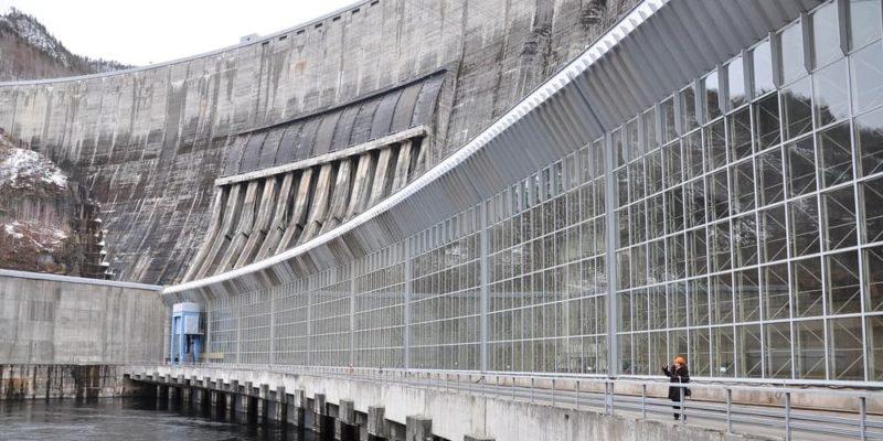 presa represa ejemplos Sayano-Shushenskaya rusia hidroelectica