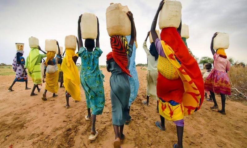 cuidado del agua ecologia imagenes mujeres