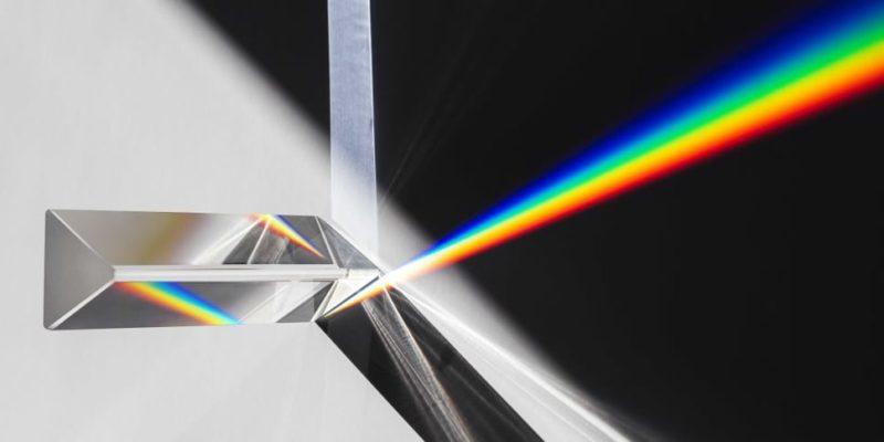 luz propiedades caracteristicas dispersion colores prisma