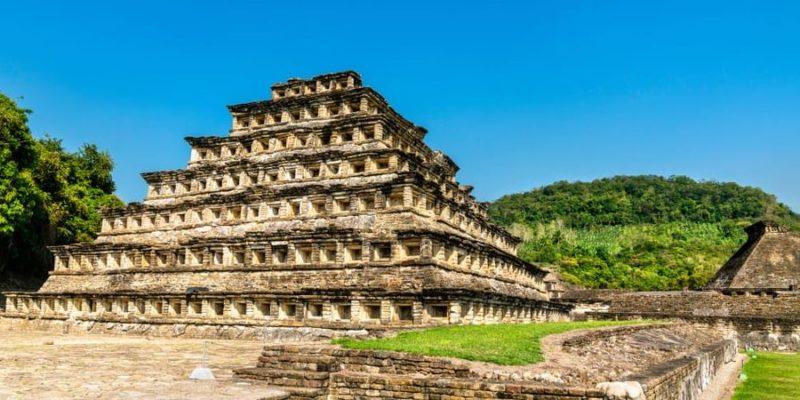 cultura totonaca piramide de los nichos