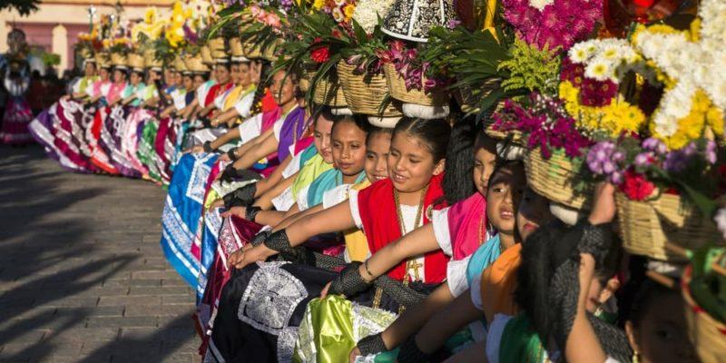 cultura zapoteca guelaguetza
