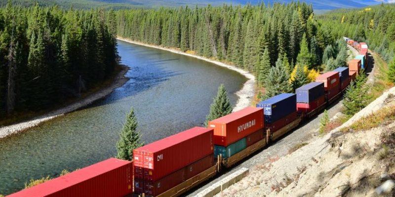 transporte de carga terrestre ferrocarril