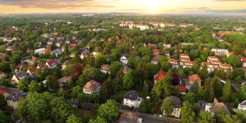 paisaje urbano suburbano