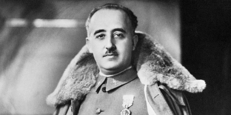 retrato-oficial-francisco-franco autoritarismo españa