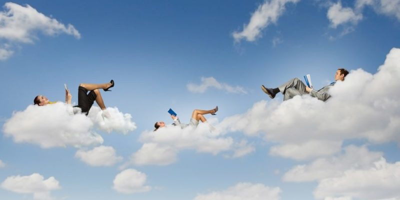 lenguaje figurado estar en las nubes